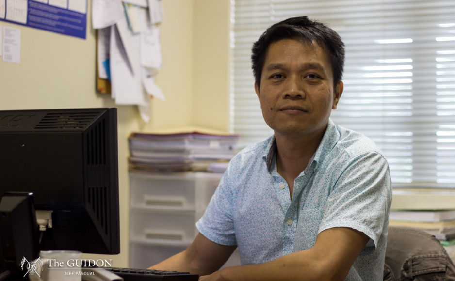 JACK OF ALL TRADES. Filipino professor Alvin Yapan talks about his greatest works and how he balances his responsibilities to the Ateneo and his passion for filmography. Photo by Jeff Pascual